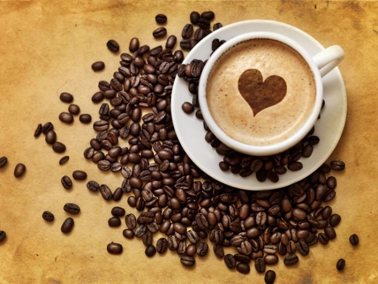Кофе с сердечком на пенке