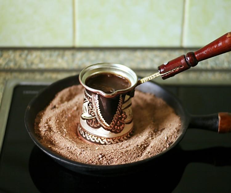 Турка на горячем песке