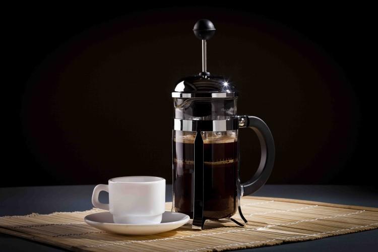 Подача кофе во френч-прессе