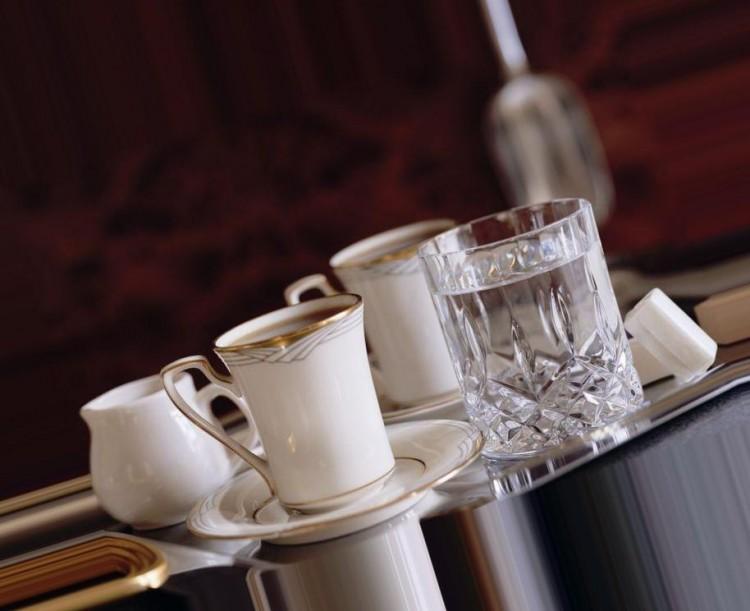 Сервировка при подаче кофе