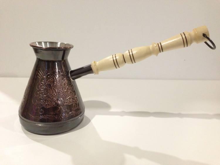 Турка с деревянной ручкой