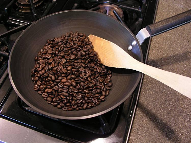 Обжарка кофе на сковородке