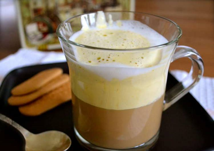 Кофе с ромом и желтками