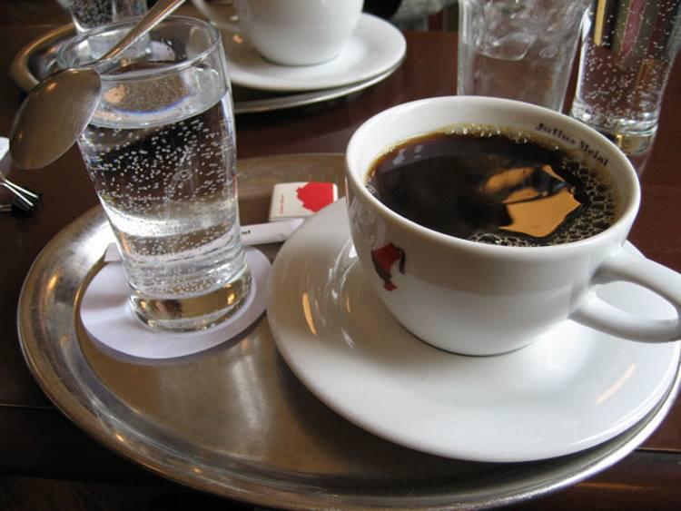 Кофе с минеральной водой