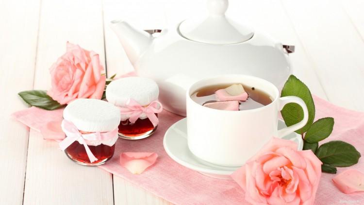 Чай с лепестками роз