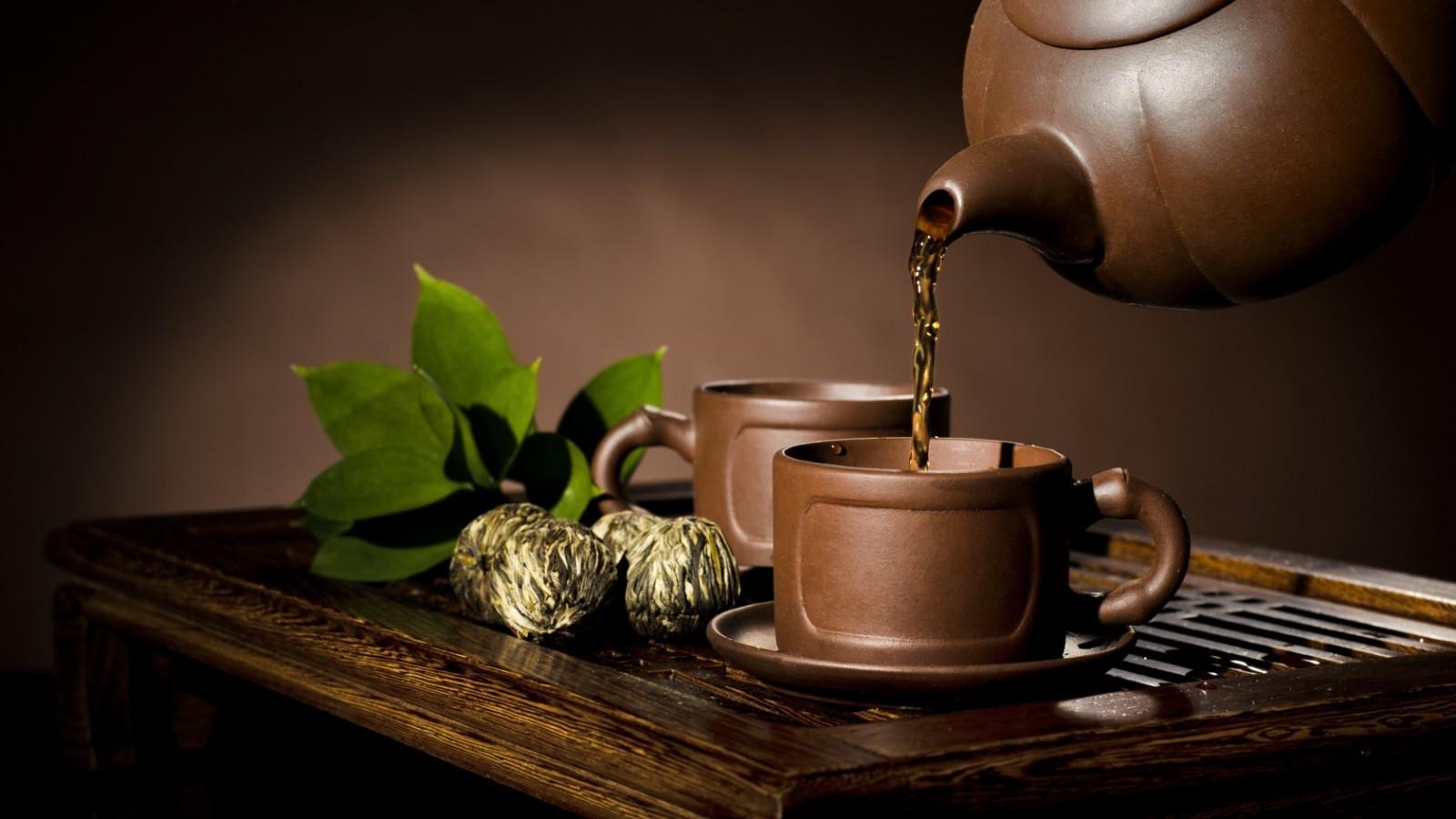Разлив чая