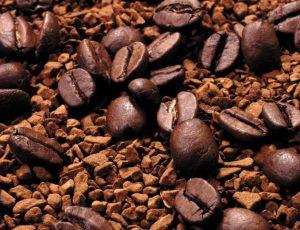 Зерна и гранулы кофе