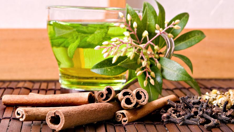 Чай с лавровым листом и корицей