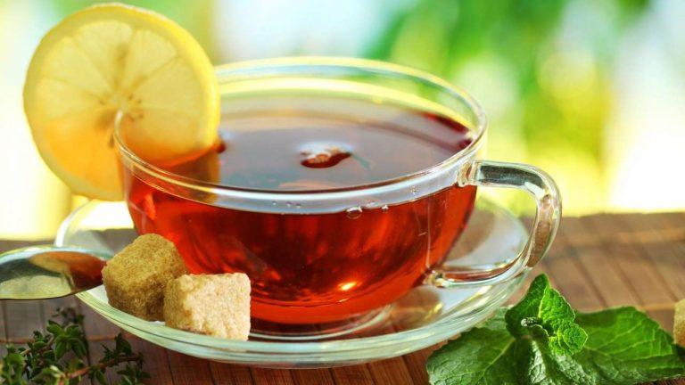 в чае есть сахар
