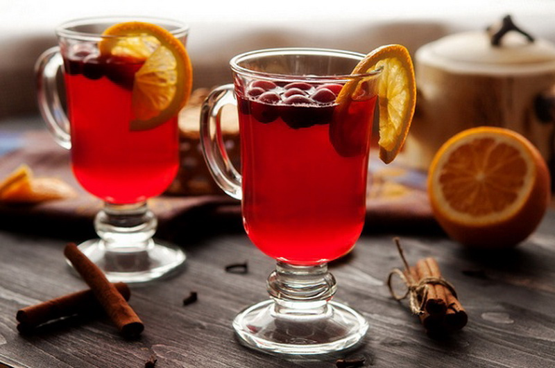 Чай с ягодами клюквы