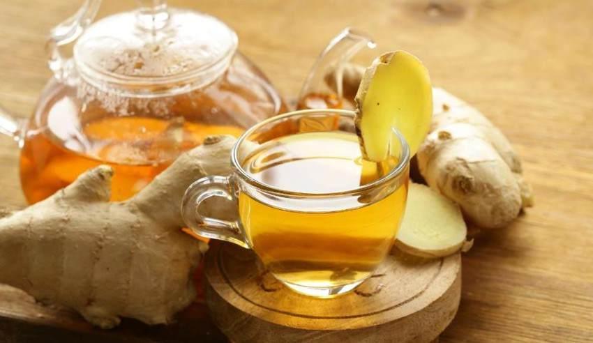 Чай с кусочками имбиря