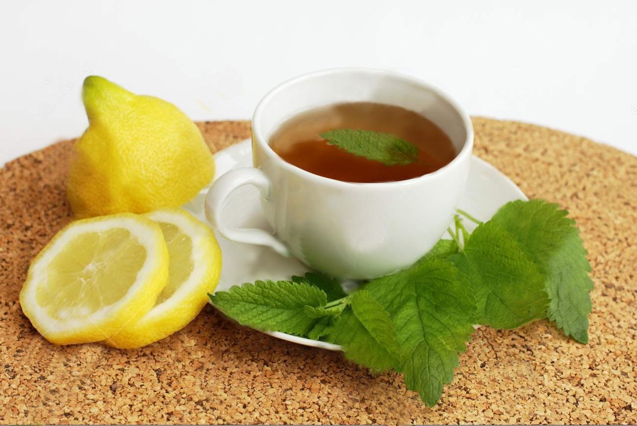 Чай с лимоном и мелиссой