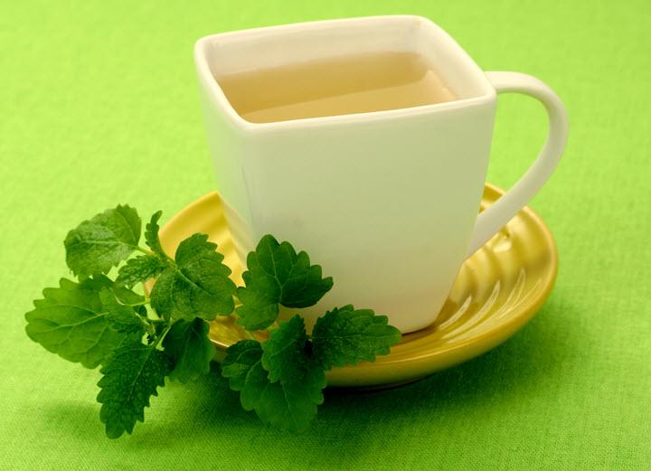 Чай с добавлением мелиссы